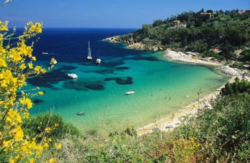 Vacanze all'isola del Giglio spiagge e itinerari